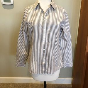 Chico's button front shirt sz 1 or 8-10 MINT